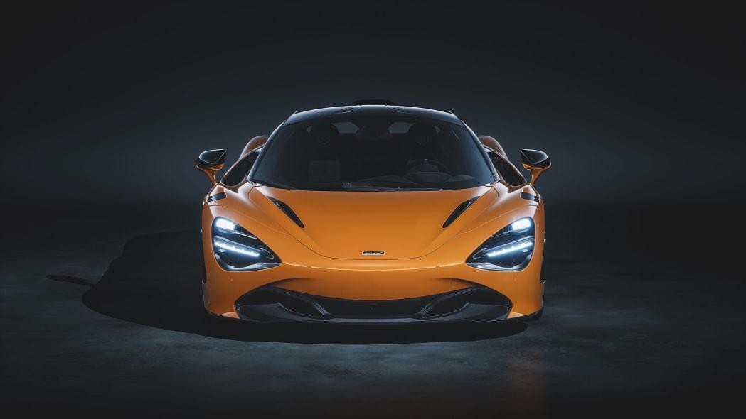 12096-720S-Le-Mans-Front-McLaren-Orange