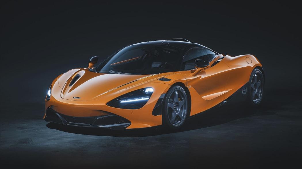 12098-720S-Le-Mans-McLaren-Orange-Front-34