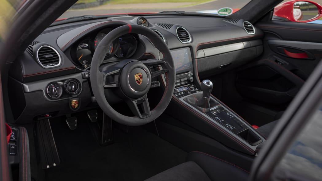 2020 Porsche 718 Cayman GT4 interior