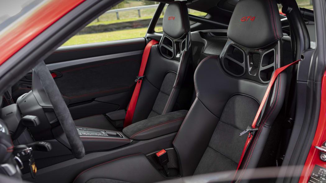 2020 Porsche 718 Cayman GT4 seats
