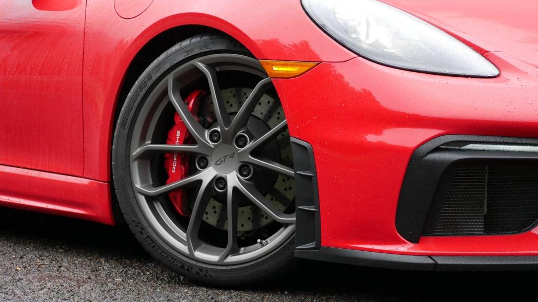 2020 Porsche 718 Cayman GT4 wheel