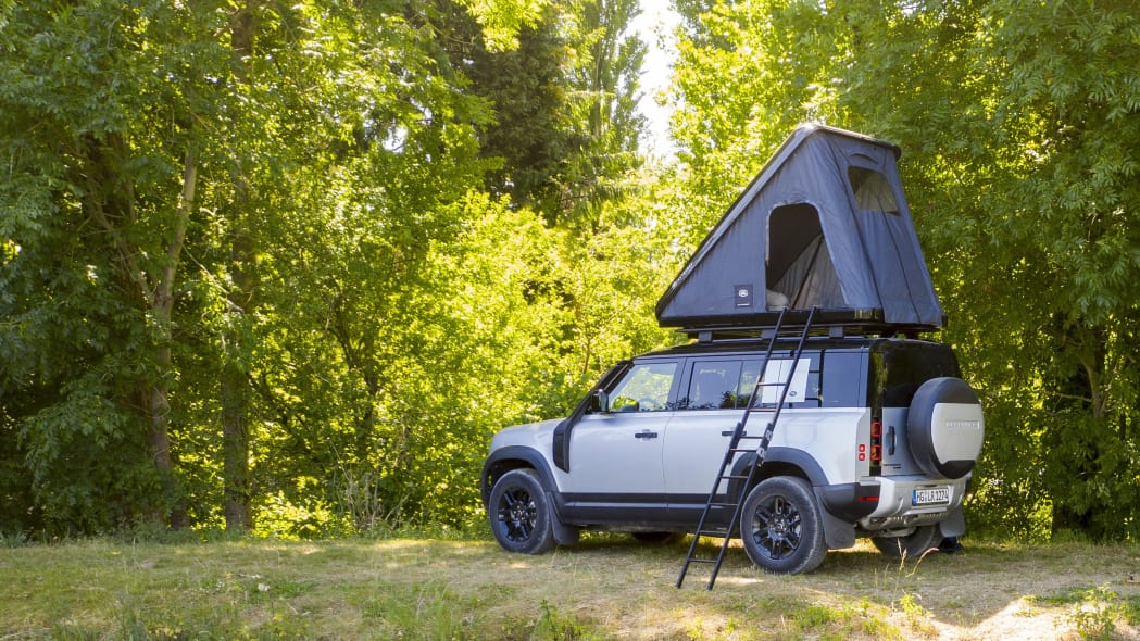 Land Rover Defender roof top tent