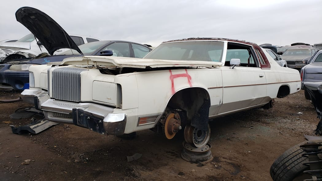 999 - 1976 Chrysler New Yorker in Colorado Junkyard - photo by Murilee Martin