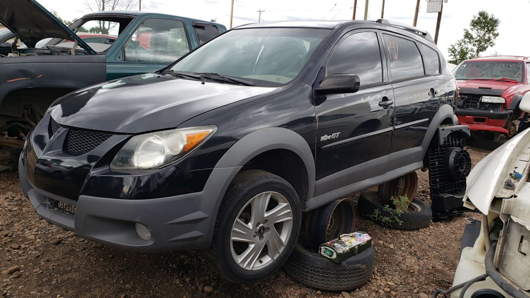 00 - 2004 Pontiac Vibe GT in Colorado Junkyard - photo by Murilee Martin