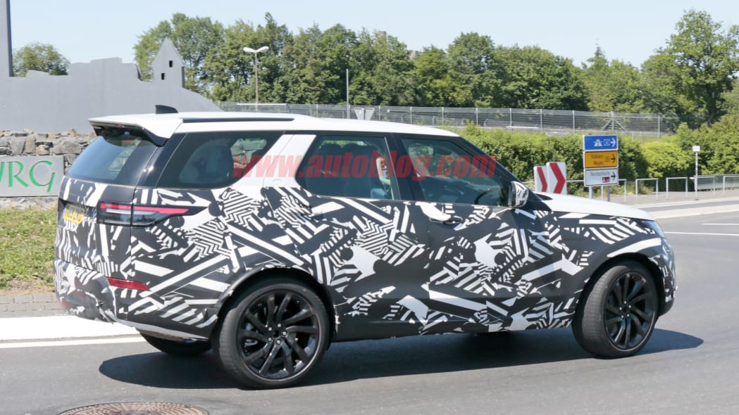 Land Rover Discovery spied