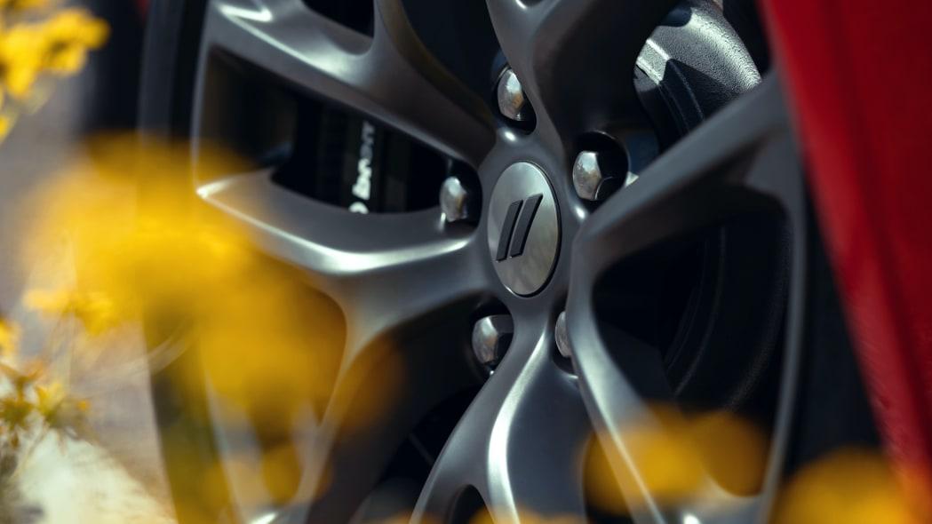 Dodge Durango R/T Tow N Go: Standard 20-inch-by-10-inch Hyper Black wheel