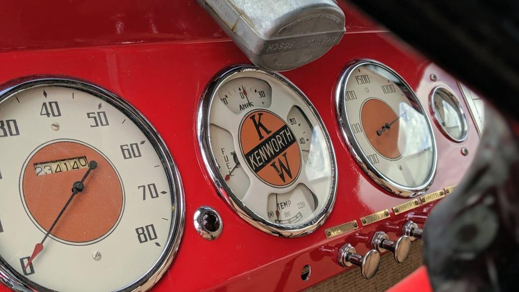 Legacy-Classic-Trucks-Mount-Rainier-Kenworth-Motor-Coach-Gauges