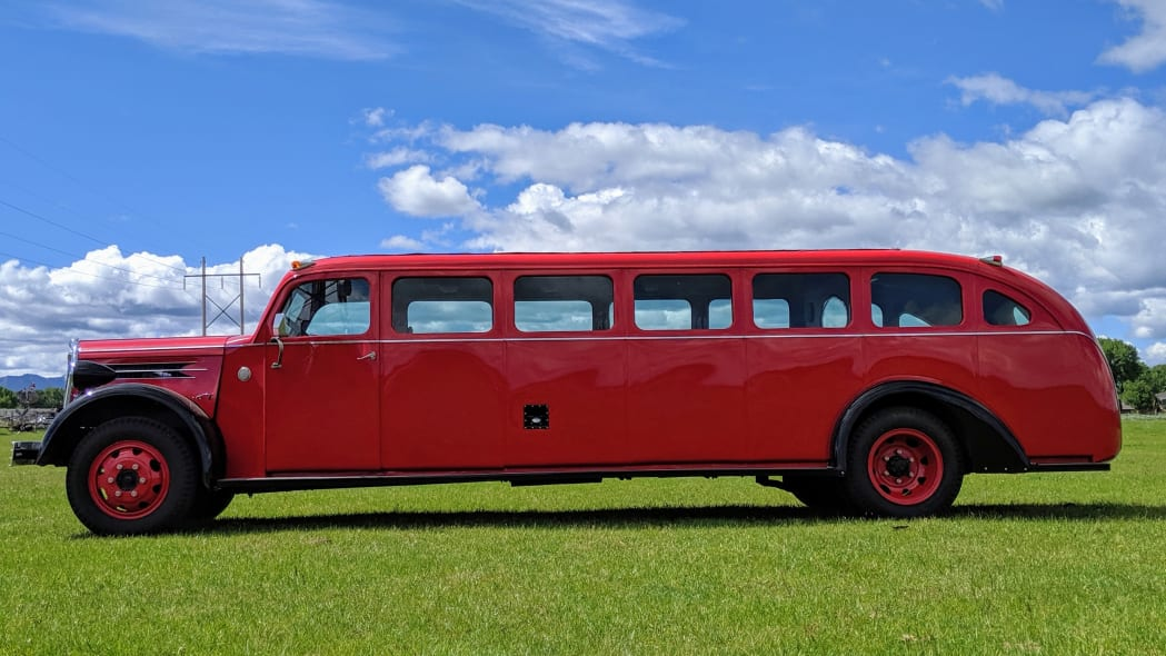Legacy-Classic-Trucks-Mount-Rainier-Kenworth-Motor-Coach-Side-Profile