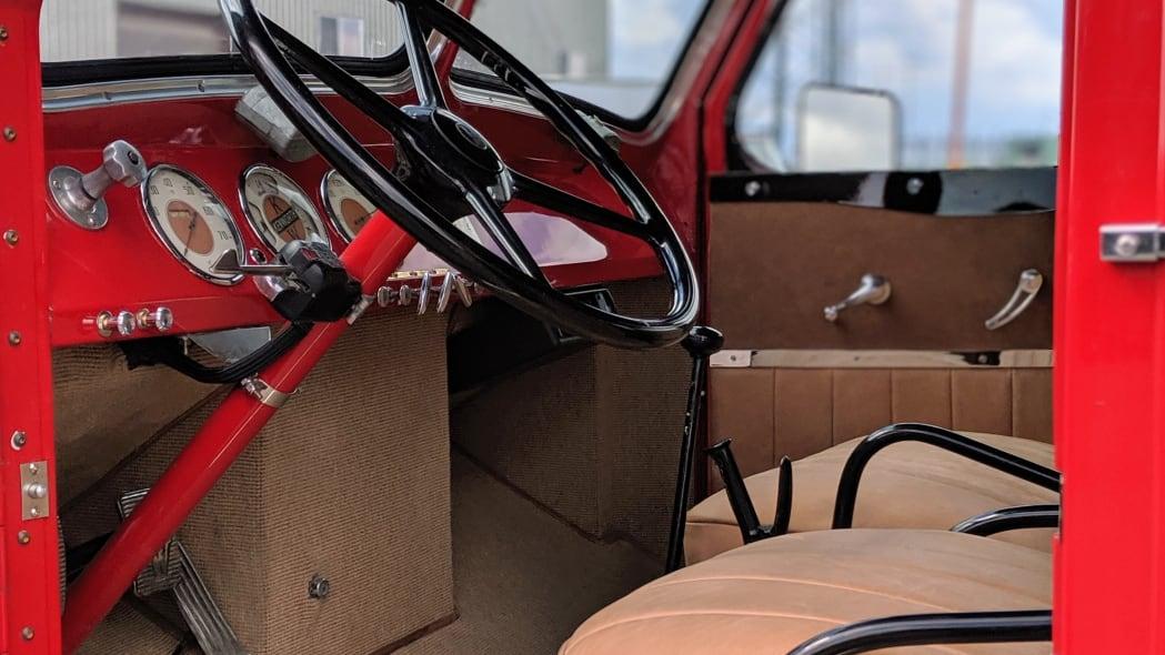 Legacy-Classic-Trucks-Mount-Rainier-Kenworth-Motor-Coach-Steering-Wheel-Front-Seat