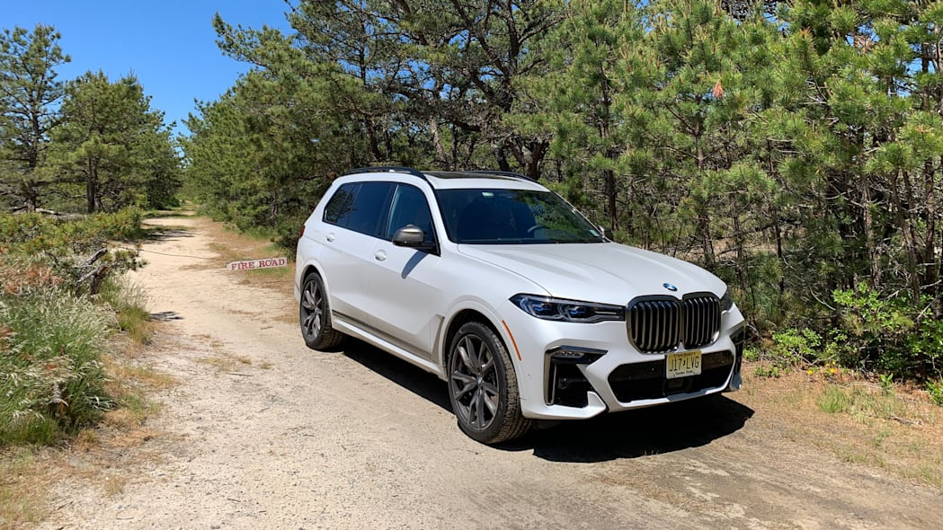 2020 BMW X7 M50i front 34 offroad