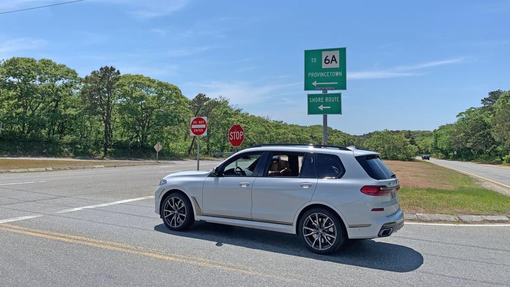 2020 BMW X7 M50i profile rear
