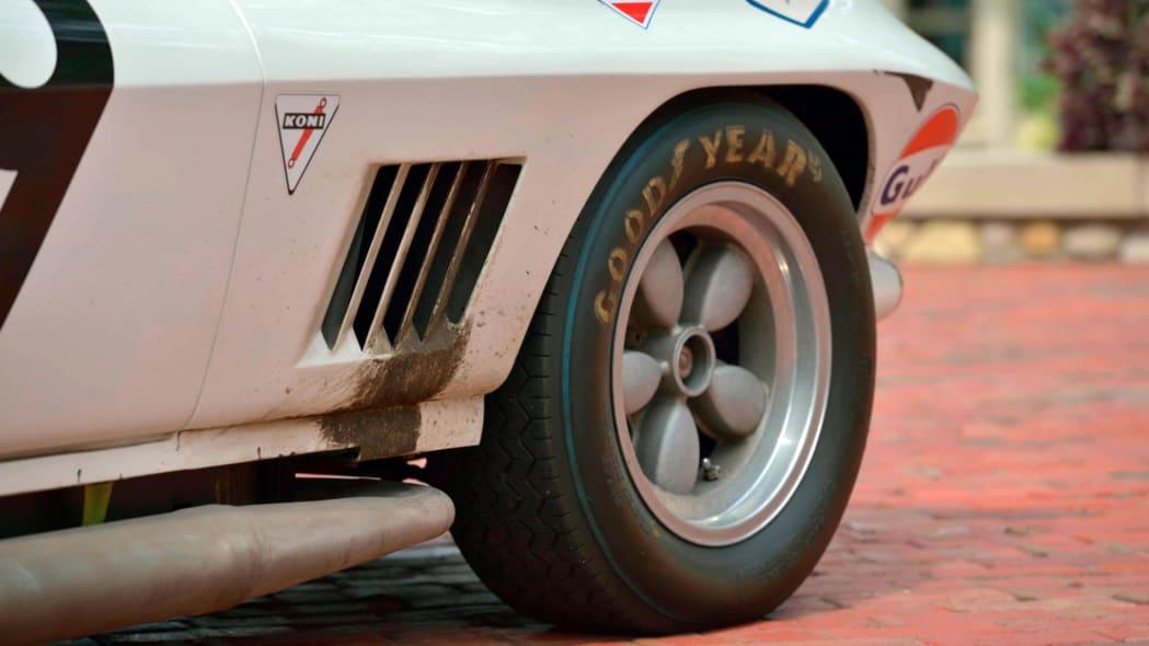 1967-L88-Corvette-2