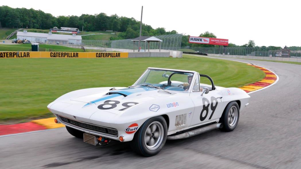 1967-L88-Corvette-24