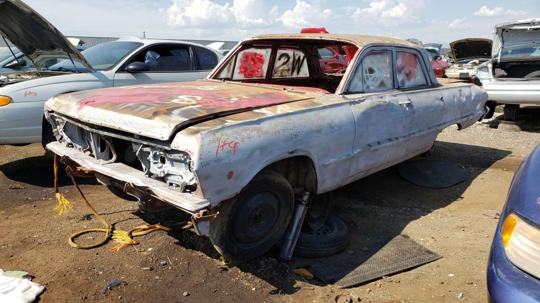 00 - 1962 Chevrolet in Colorado Junkyard - photo by Murilee Martin