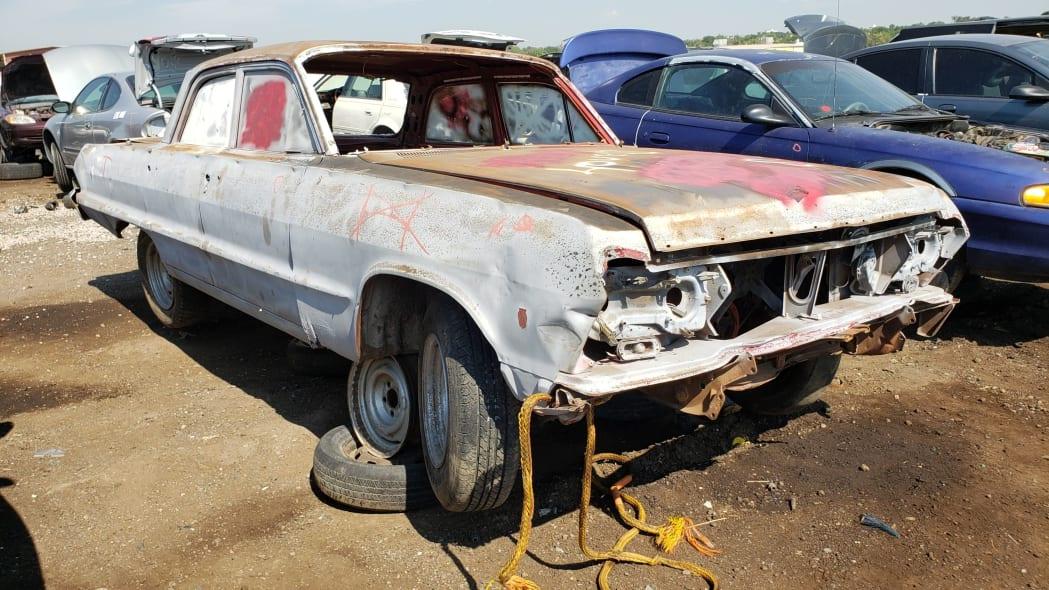 30 - 1962 Chevrolet in Colorado Junkyard - photo by Murilee Martin