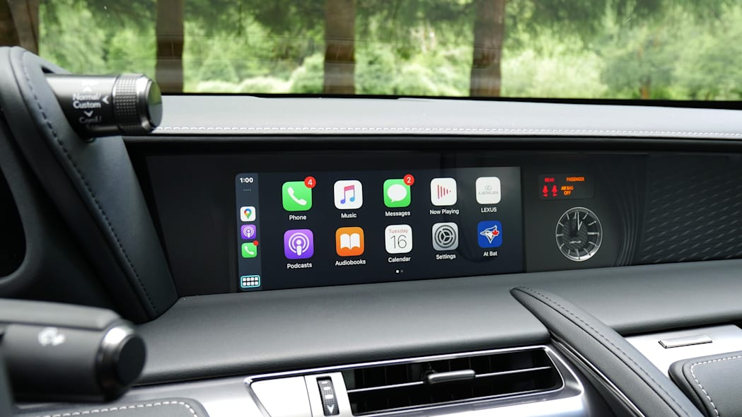 2021 Lexus LC 500 Convertible CarPlay
