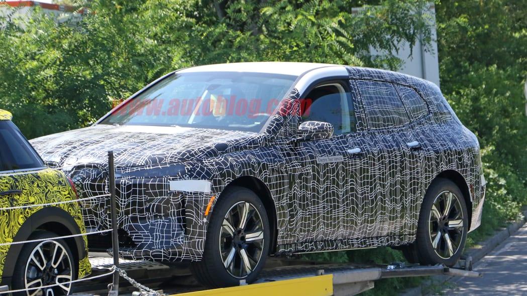 BMW iNext 17
