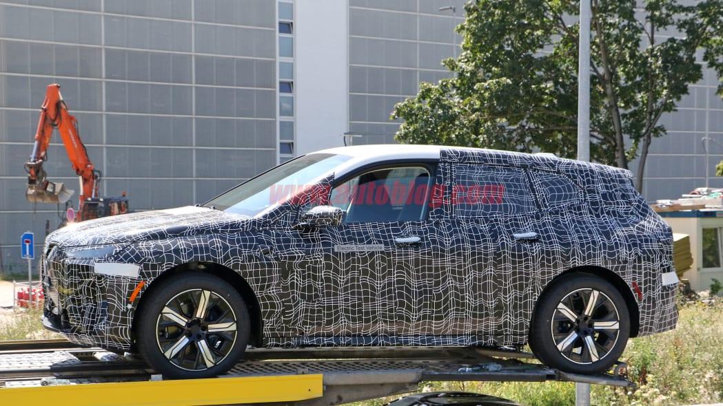 BMW iNext 20