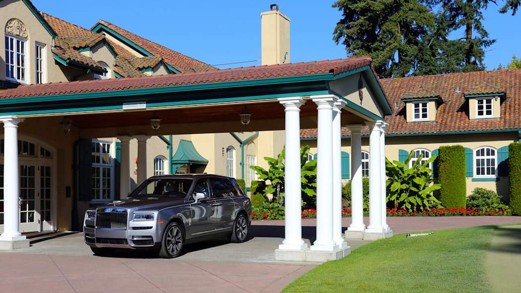 Rolls-Royce Cullinan / Greg Rasa (appreciation to Inglewood Golf Club)