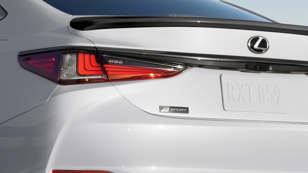 2021 Lexus ES 350 Black Line Special Edition (1)