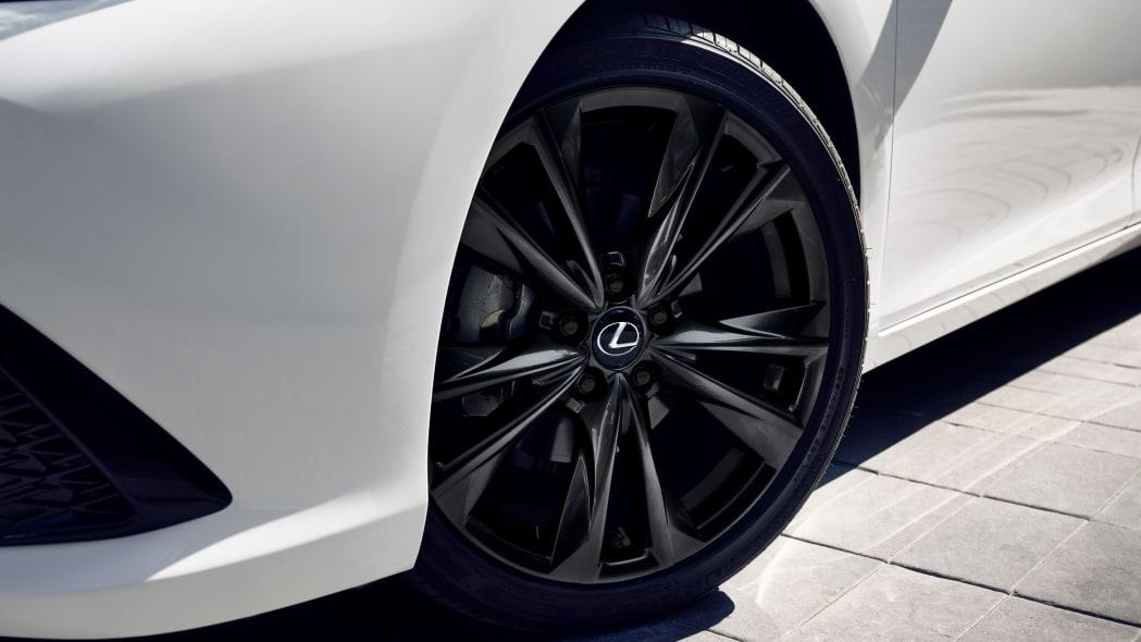 2021 Lexus ES 350 Black Line Special Edition