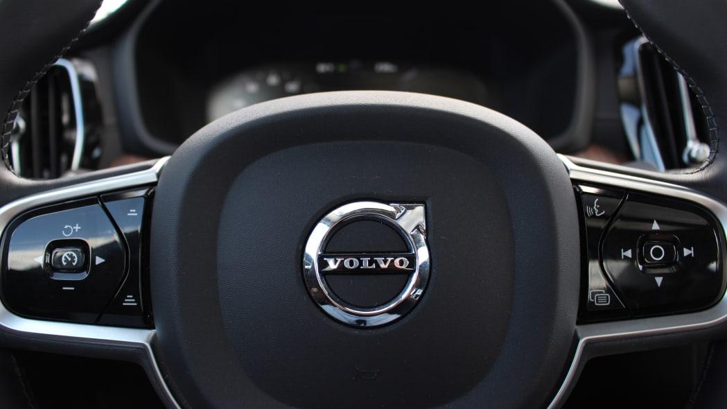 2020 Volvo S60 T8 long-term