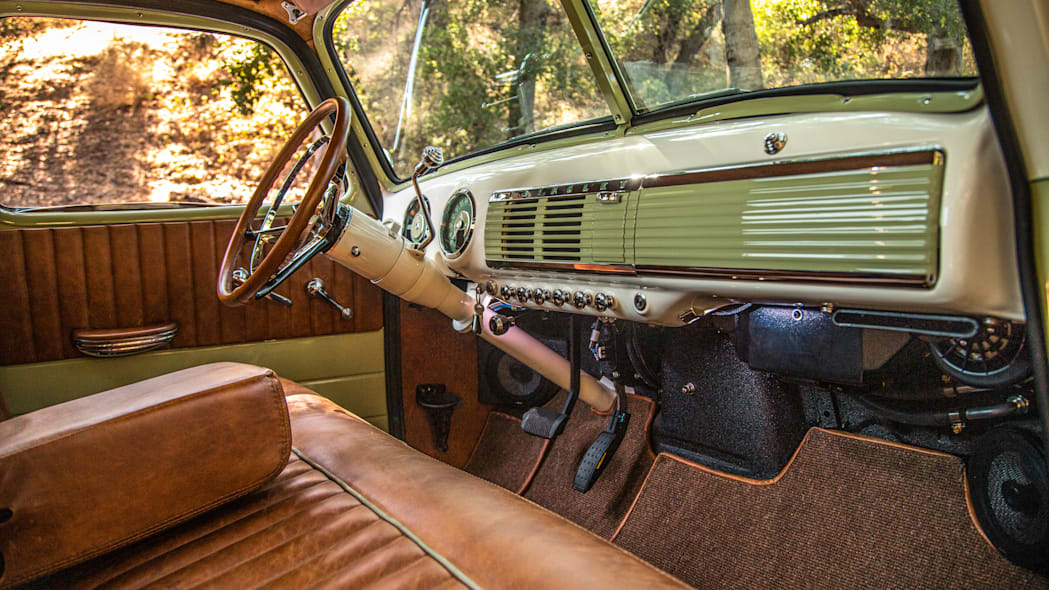 ICON-Thriftmaster-Old-School-Nature-Interior-From-Pass