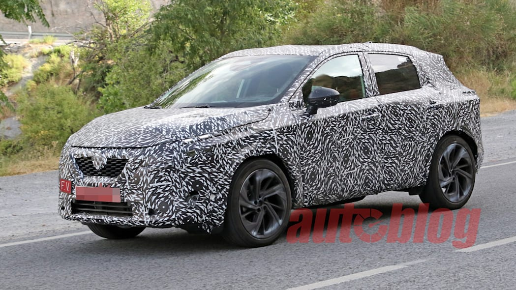 Nissan Rogue Sport (Qashqai) spy photos