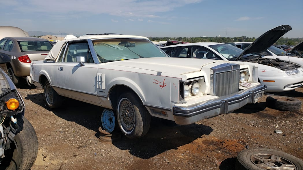 99 - 1982 Lincoln Continental Mark VI Bill Blass in Colorado junkyard - photo by Murilee Martin
