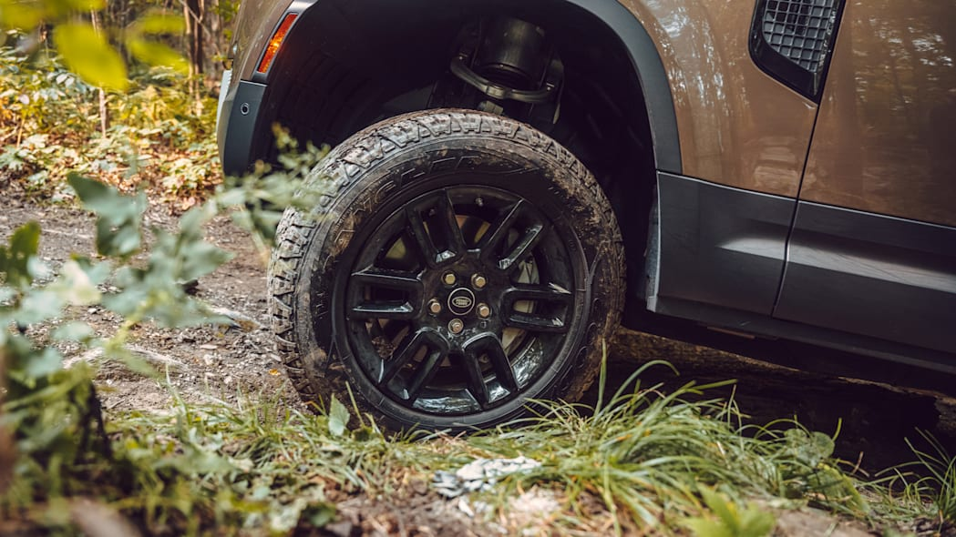 2020 Land Rover Defender wheel