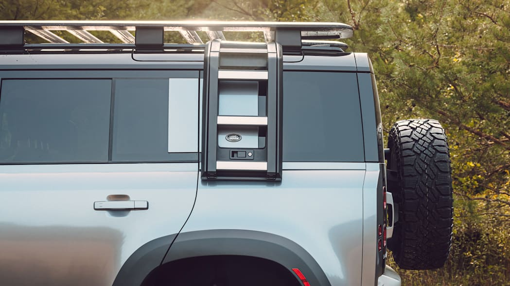 2020 Land Rover Defender roof and quarter window accessories