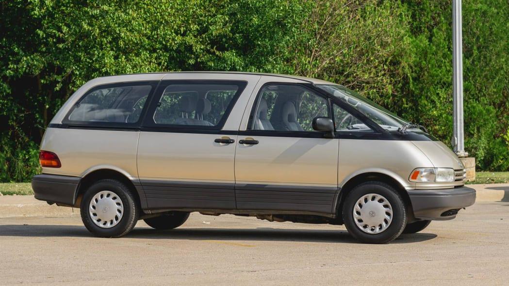 Toyota Previa 2