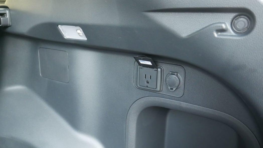 2021 Toyota RAV4 Prime trunk power