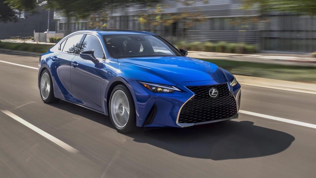 2021_Lexus_IS_300_AWD_Blue_029