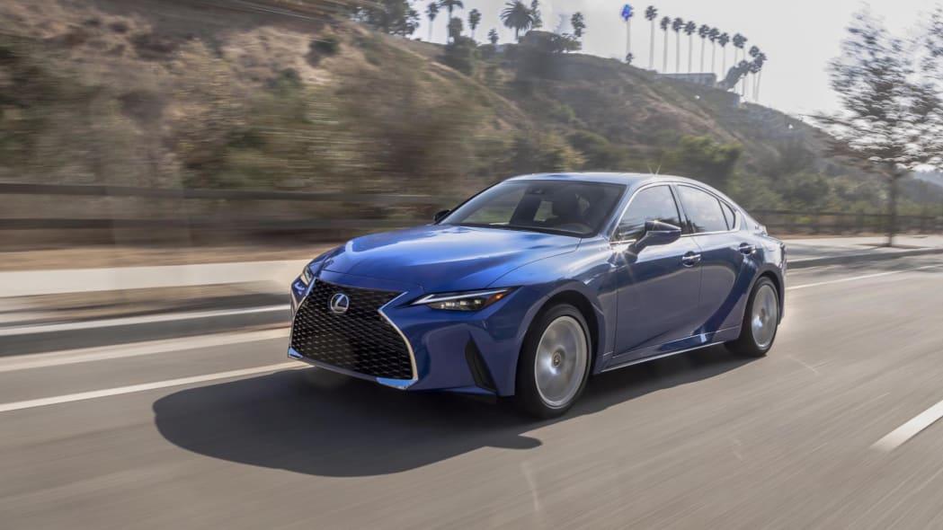 2021_Lexus_IS_300_AWD_Blue_026