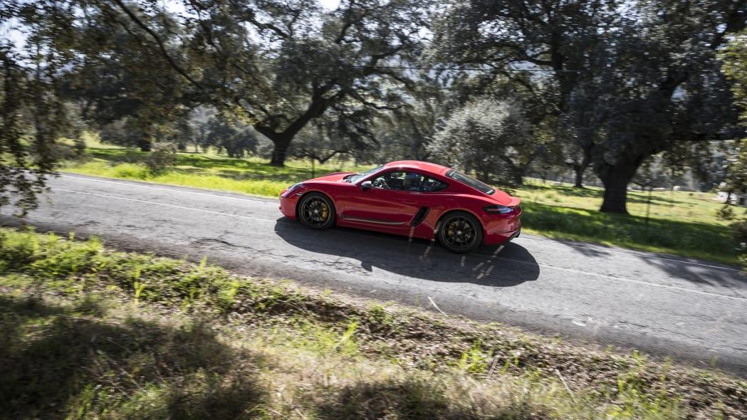 Porsche Cayman T profile action