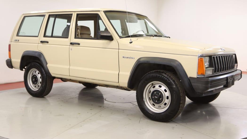 1985-jeep-cherokee
