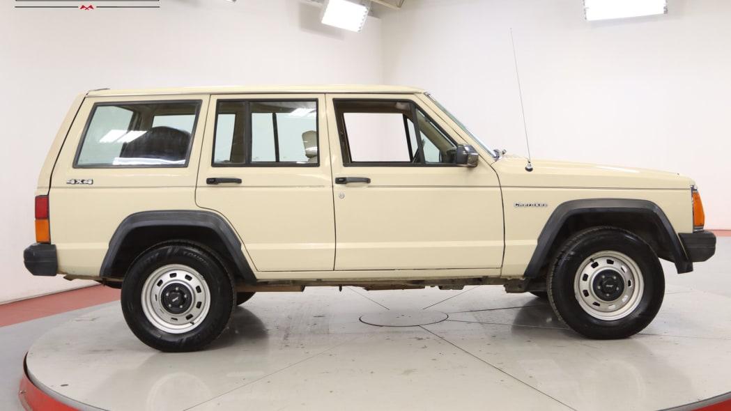 1985-jeep-cherokee (1)
