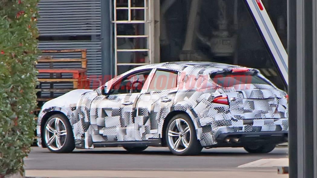Ferrari Purosangue mule spied