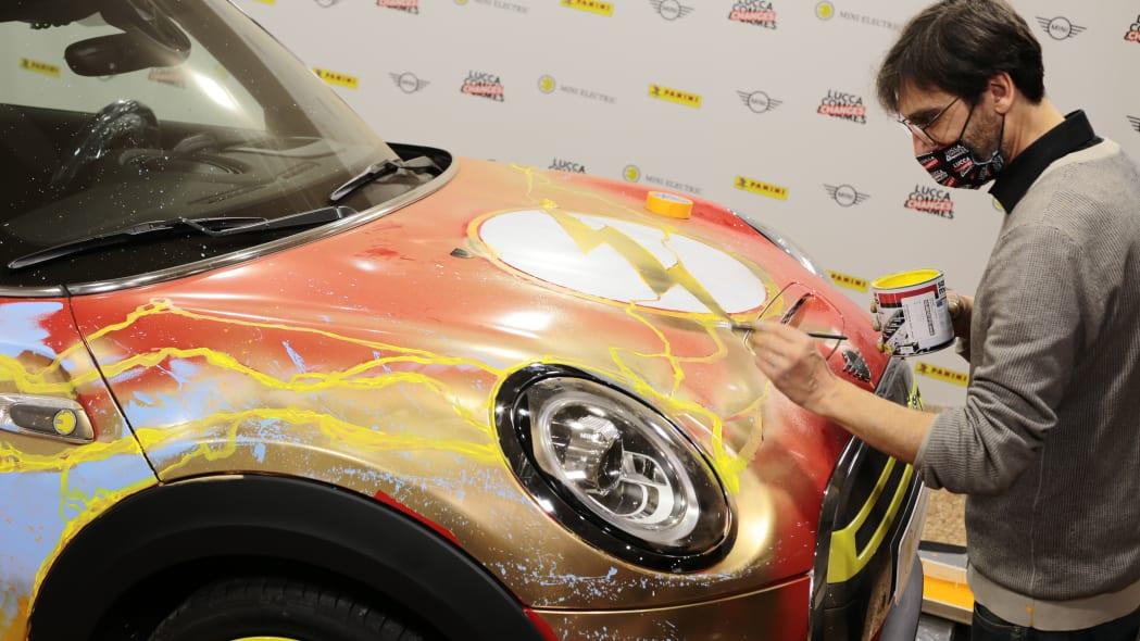 Mini SE art car The Flash-electriclucca-c