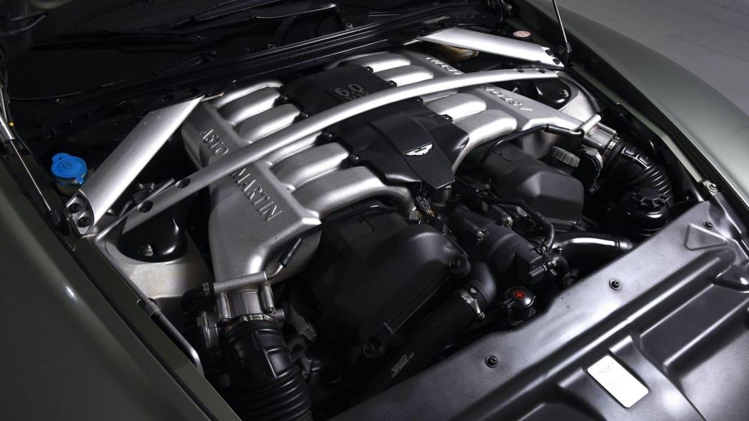 Aston Martin DB9 104K 6