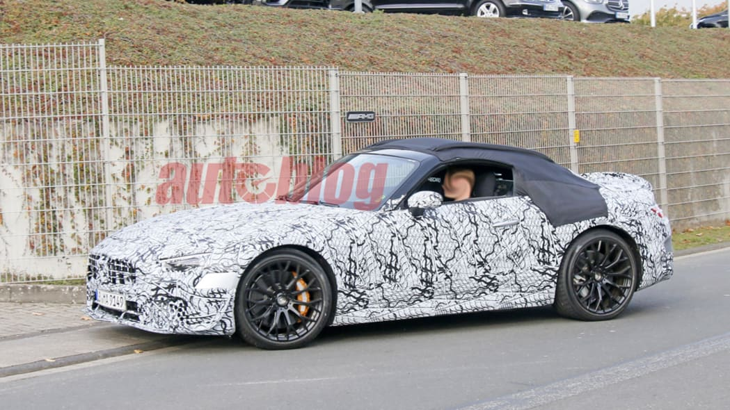 Mercedes-Benz SL spy photos