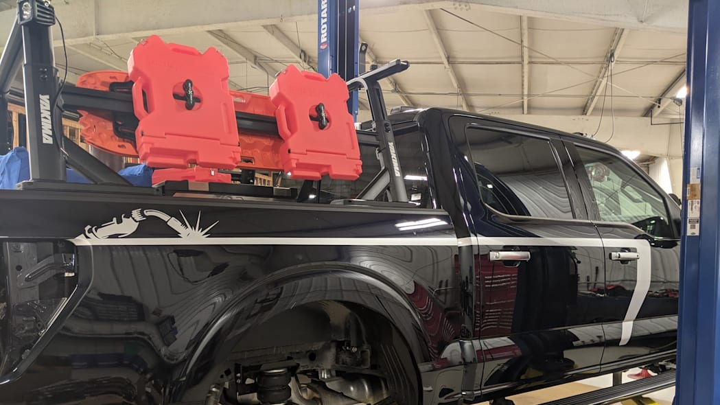 Ford F-150 Limited Hybrid SuperCrew_build_06