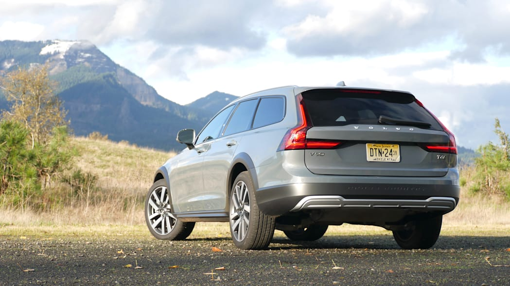 2021 Volvo V90 Cross Country low rear