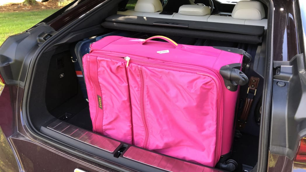 2020 BMW X6 luggage test