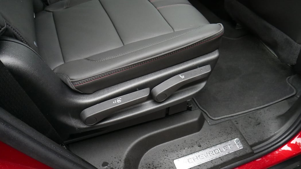 Chevy Tahoe second row controls