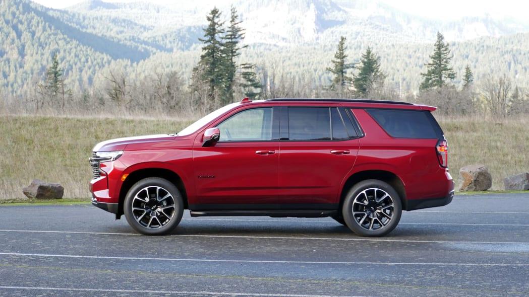 2021 Chevrolet Tahoe RST profile