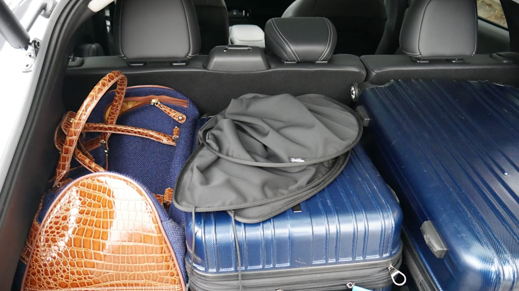 2021 Ford Mustang MachE luggage test cargo cover