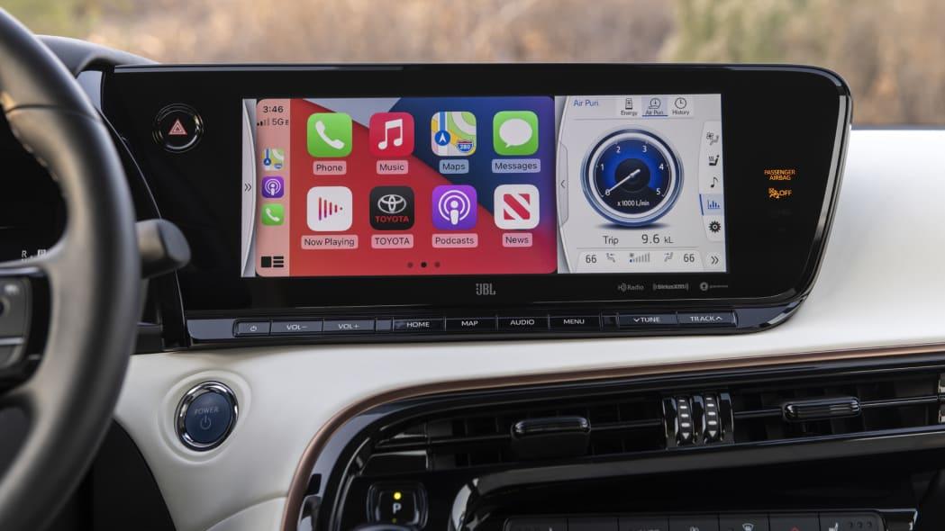 2021 Toyota Mirai tech screen apple carplay