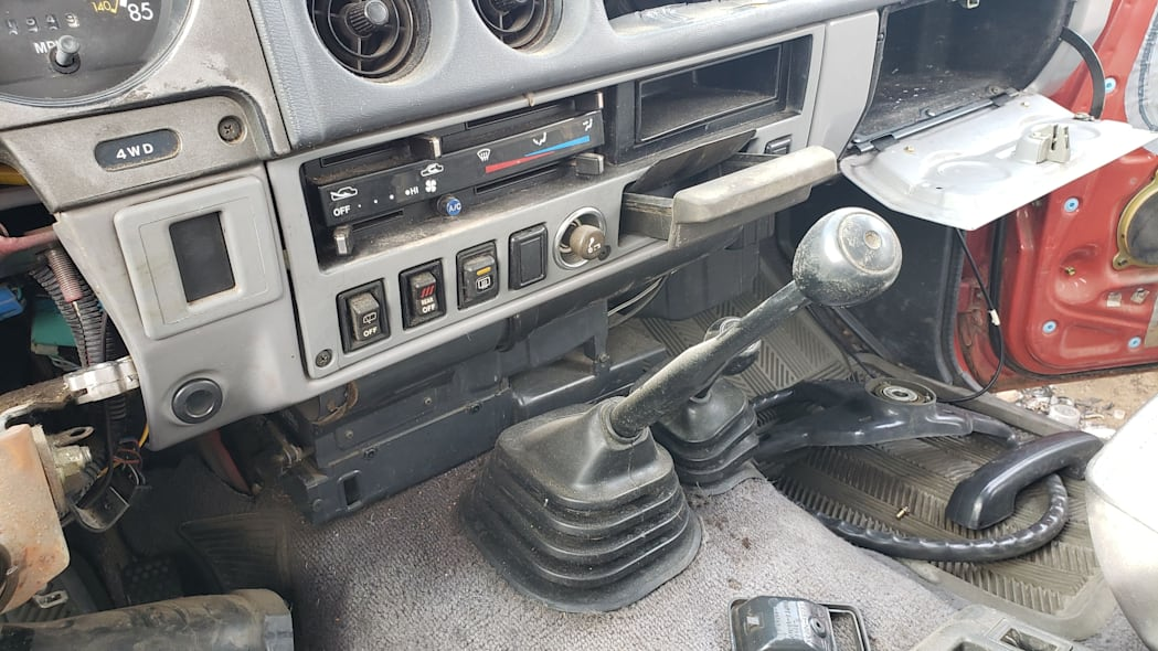 05 - 1987 Toyota Land Cruiser in Colorado Junkyard - photo by Murilee Martin